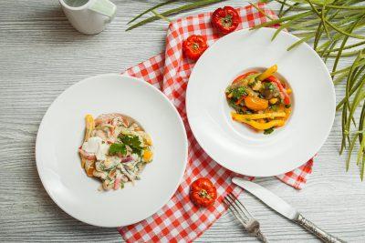 салат из овощей-гриль с 2-я заправками